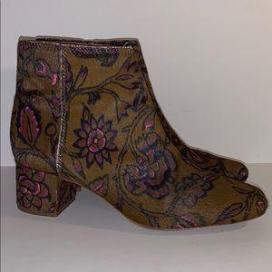 Madewell Margot floral calf hair boots size 8